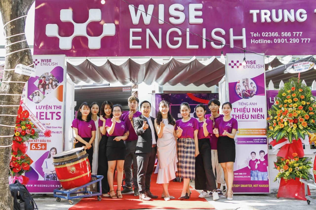 WISE ENGLISH khai truong co so 36 Tran Van Du
